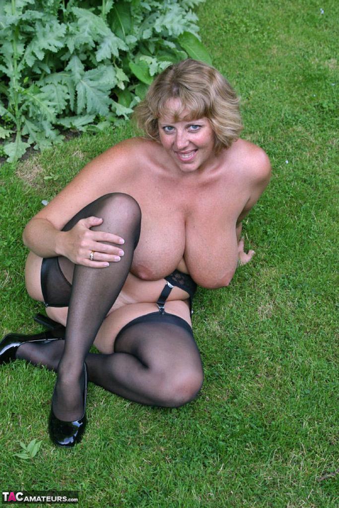 Buxom naked women